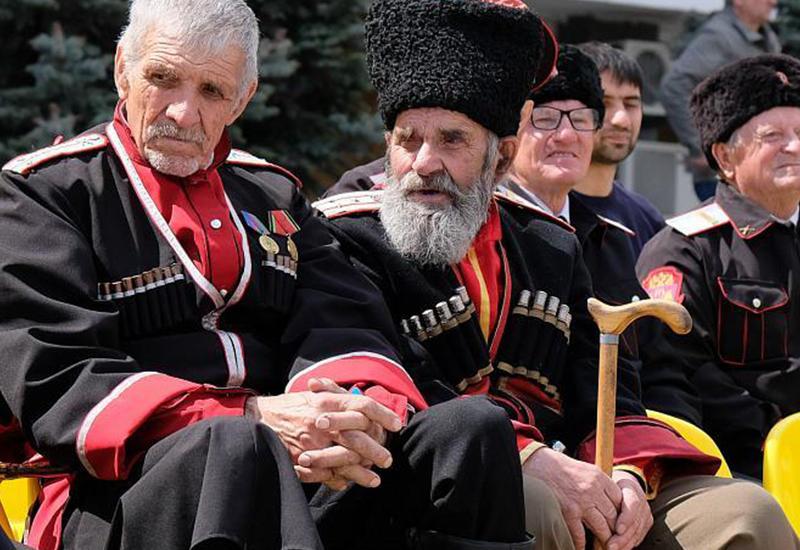 Армяне издеваются над кубанскими казаками