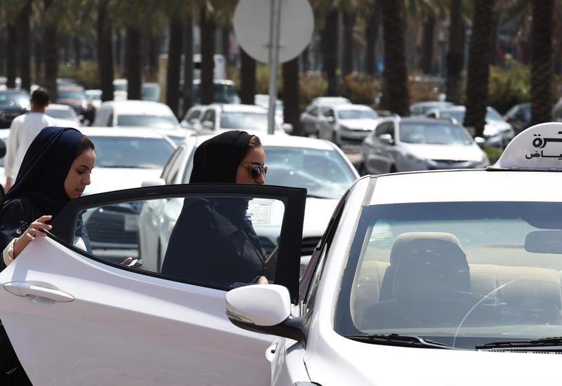 В Саудовской Аравии женщинам разрешили самостоятельно путешествовать