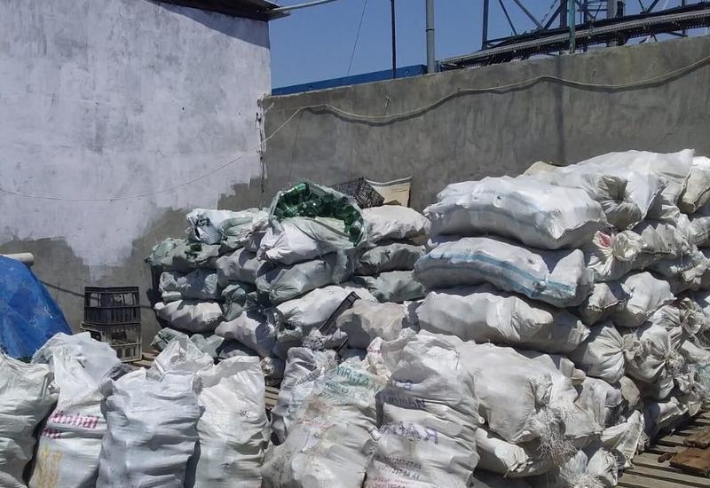Антисанитария в цехе по производству безалкогольных напитков в Гяндже