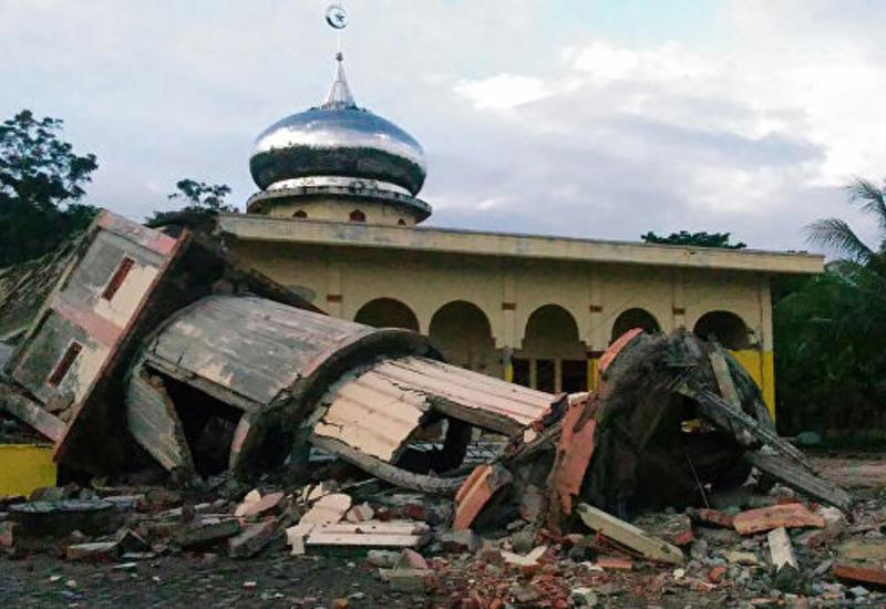Жертвами землетрясения у берегов Суматры стали пять человек