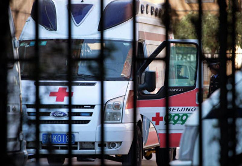 В Китае десятки человек отравились на банкетах в гостинице