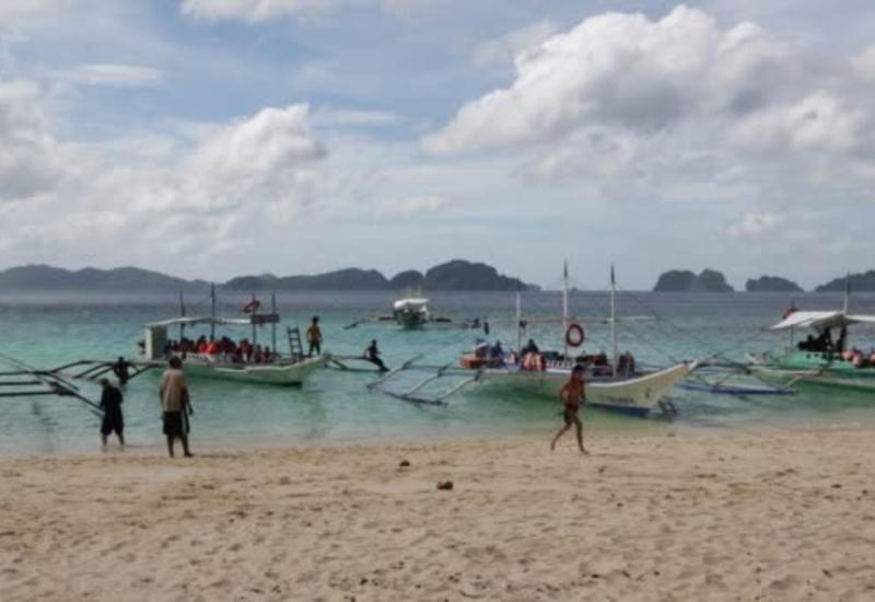 На Филиппинах опрокинулись три лодки с туристами, много погибших
