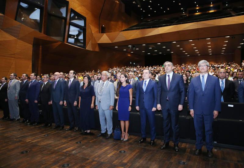 Вице-президент Фонда Гейдара Алиева Лейла Алиева приняла участие в церемонии открытия 31-й Международной олимпиады по информатике