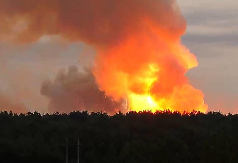 Мощный взрыв на складе боеприпасов в России, есть погибший и раненые