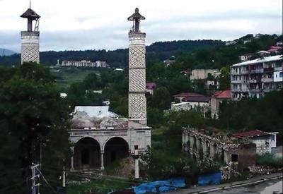 Армяне полностью разрушили 63 мечети в Карабахе