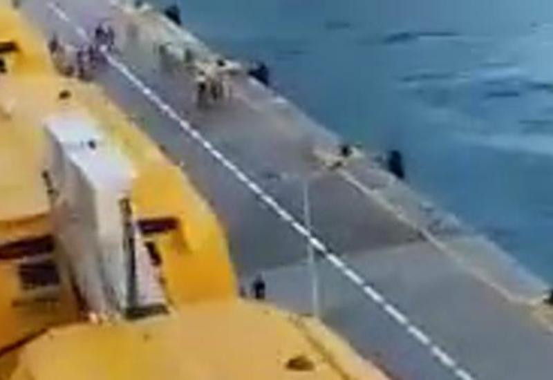 Команда затроллила опоздавших на круизный лайнер пассажиров