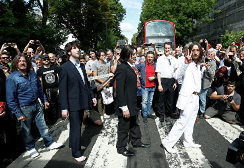 Фанаты Beatles отмечают 50-летие фотографии группы на Abbey Road