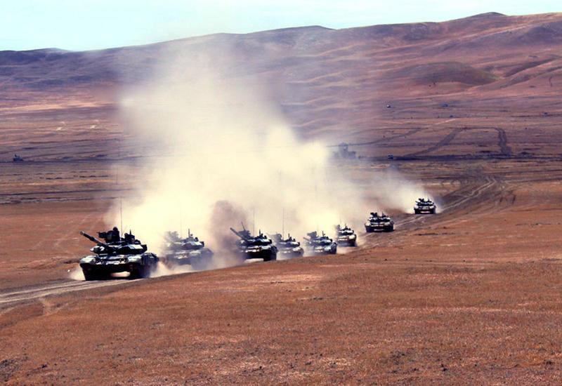 В воинских объединениях ВС Азербайджана проводятся учения