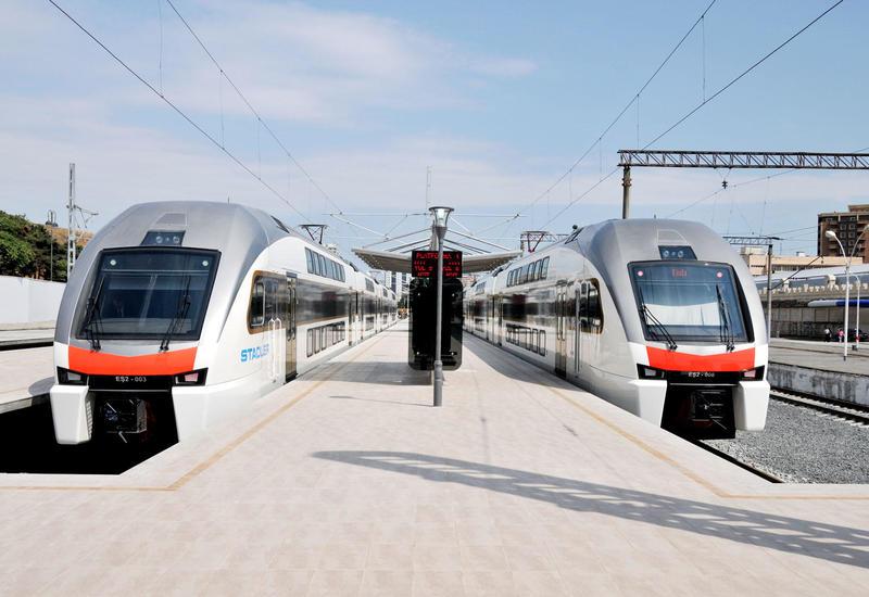 Поезда Баку-Сумгайыт задерживаются