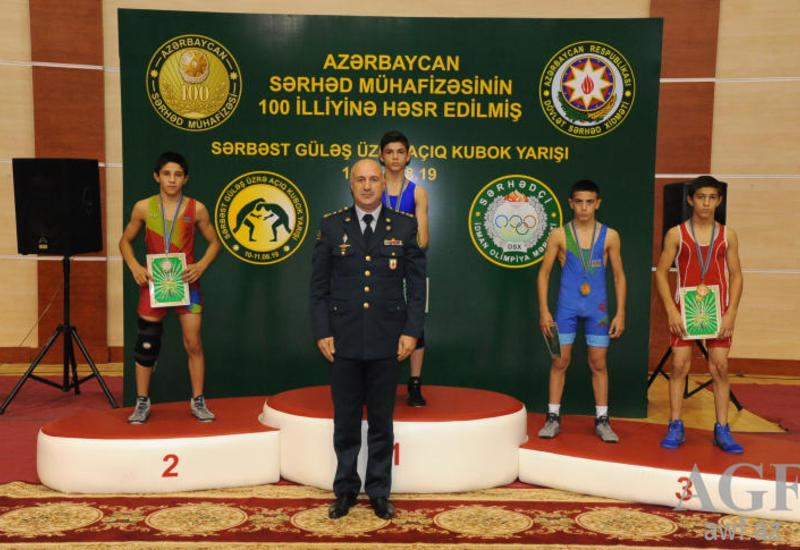 В Баку прошел открытый кубок по вольной борьбе
