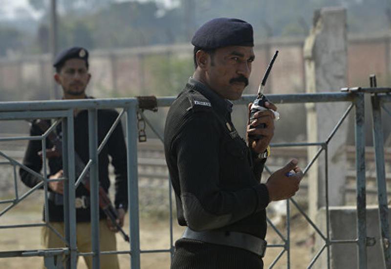 Пакистан перебросил военную технику на границу с Индией