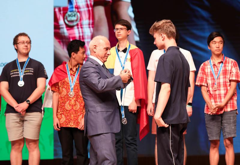 Цифровой спонсор талантов Azercell наградил победителей Олимпиады