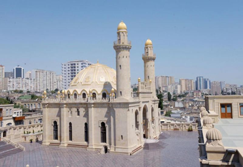 В мечетях Азербайджана совершен праздничный намаз по случаю праздника Гурбан