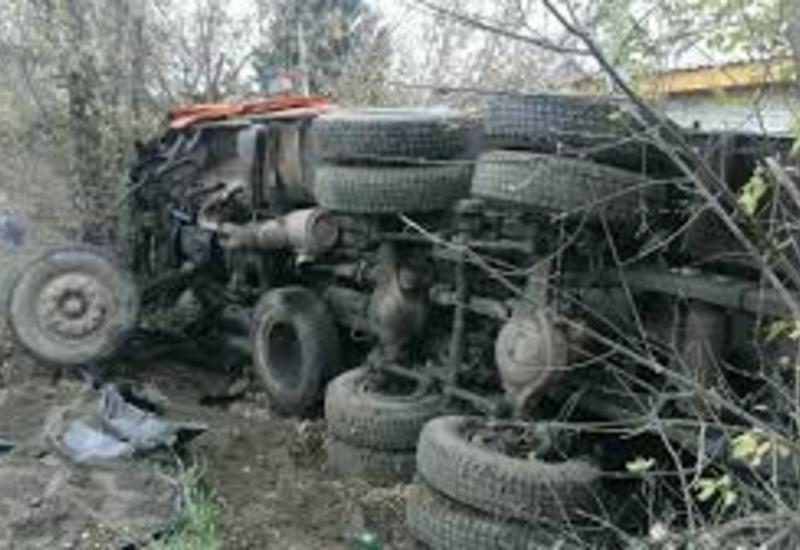 Страшная авария в Шамахе, есть погибший