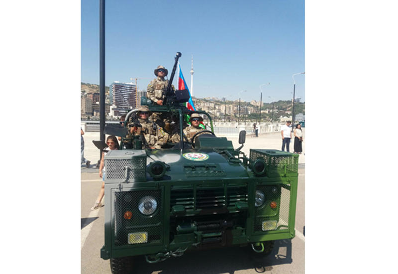 Госпогранслужба Азербайджана представила модернизированную боевую машину