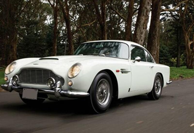 В США шпионский автомобиль Джеймса Бонда продали с аукциона