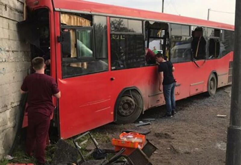 Число пострадавших в ДТП с автобусом в России выросло до 33