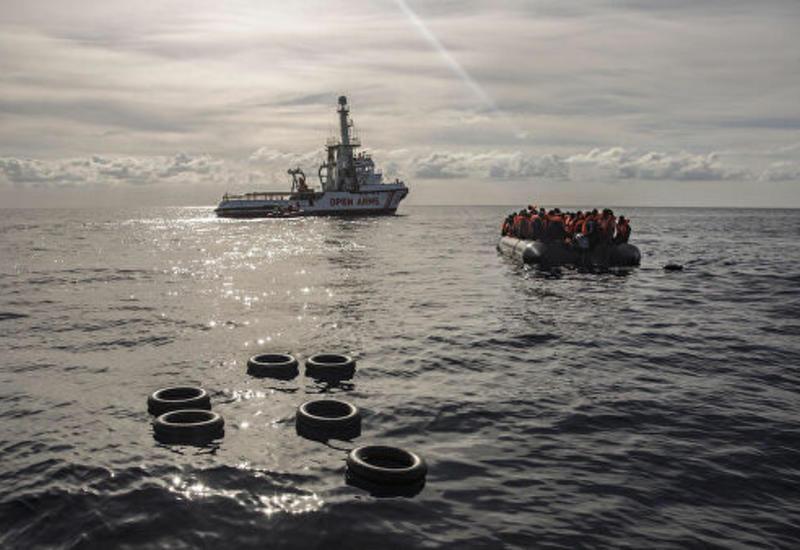 Open Arms отказалась от предложения Испании принять судно с мигрантами