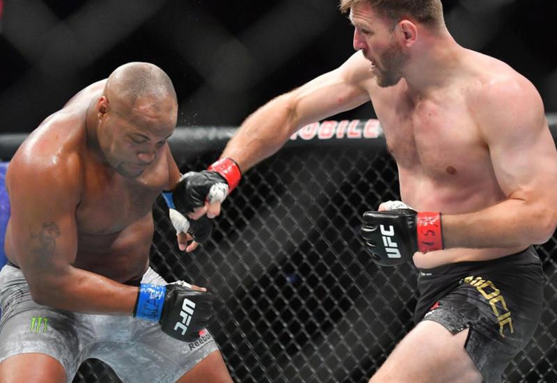 Экс-чемпион UFC Кормье примет решение о дальнейшей карьере после разговора с женой