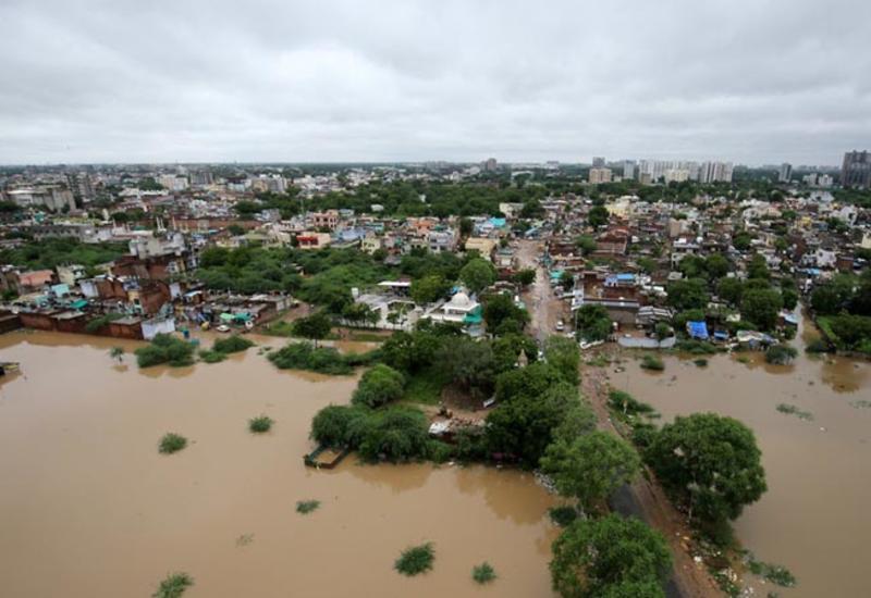 Наводнения и оползни в Индии унесли жизни 18 человек