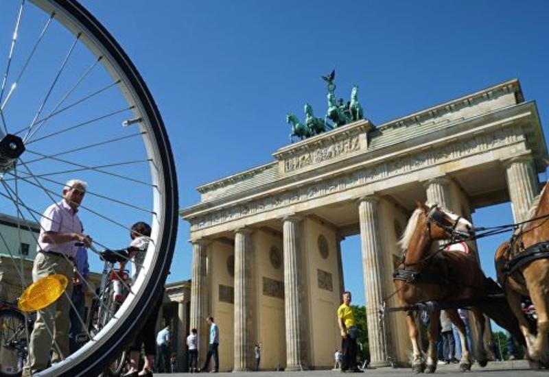 В Германии аттракцион закрыли из-за сходства со свастикой