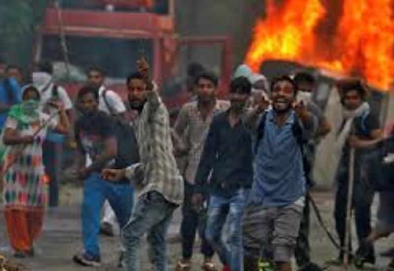 В Индии задержали десятки участников беспорядков в Кашмире