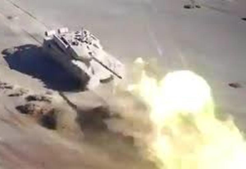 Китай показал на видео атаку танков при поддержке дронов