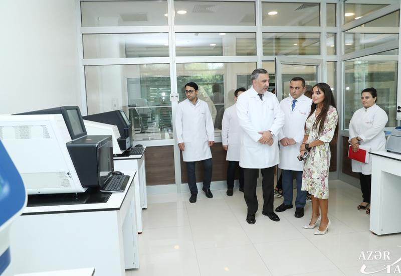 Вице-президент Фонда Гейдара Алиева Лейла Алиева в рамках проектов Фонда посетила ряд медицинских учреждений Баку