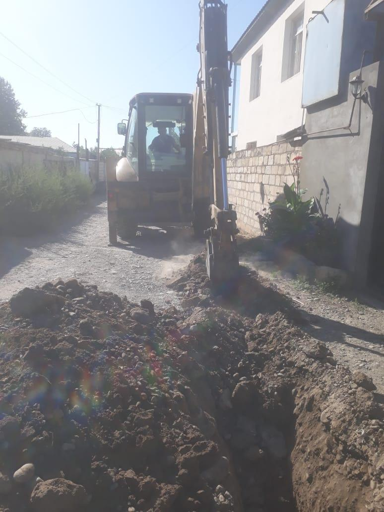 Трактор оставил без газа сотни людей в Азербайджане