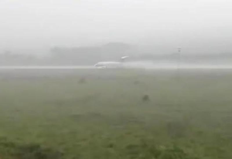 Неудачная посадка лайнера попала на камеры