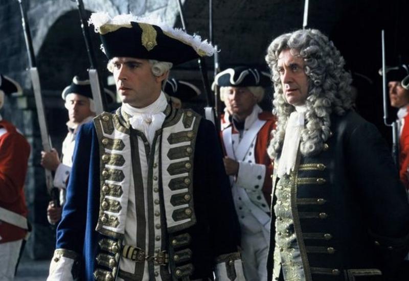 Зачем в XVIII веке солдат заставляли носить парики