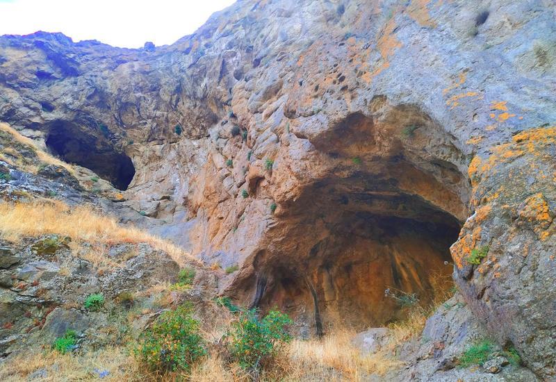 Необыкновенная красота Бузеирской пещеры