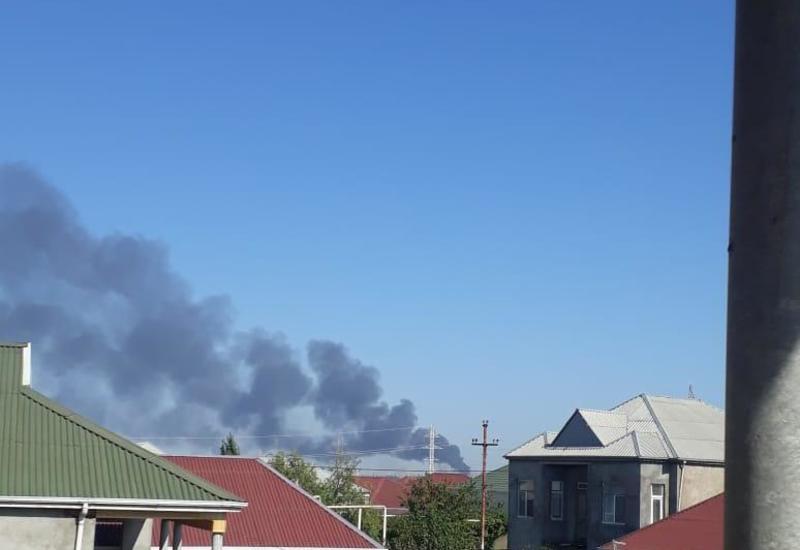 В Баку горит крупный рынок