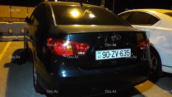 В Баку Hyundai влетел в чайхану