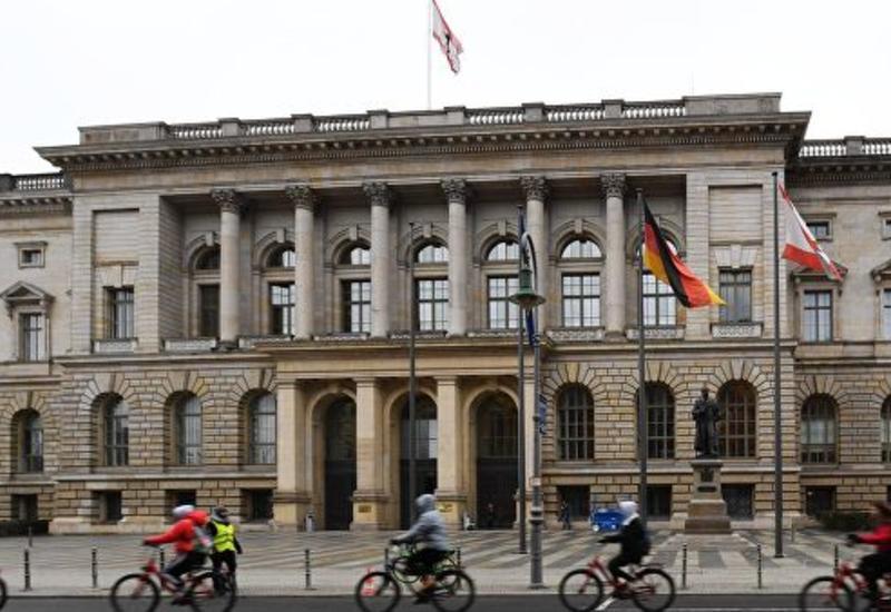В Берлине велосипедист выстрелил в прохожего