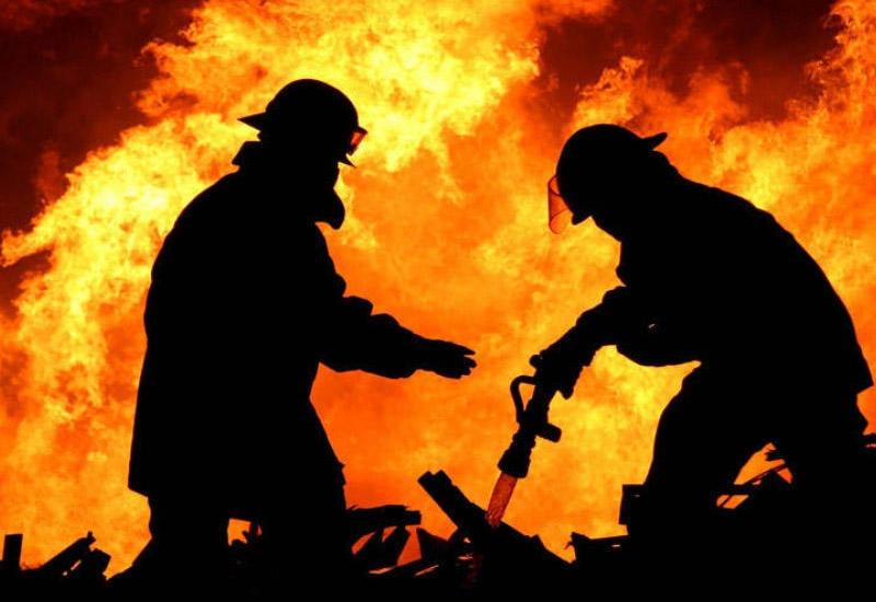 Пожар в торговом центре в Шамахы