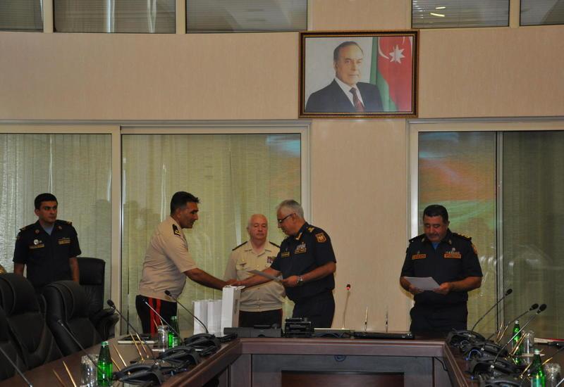 Награждены сотрудники МЧС Азербайджана, участвовавшие в поисках разбившегося МиГ-29