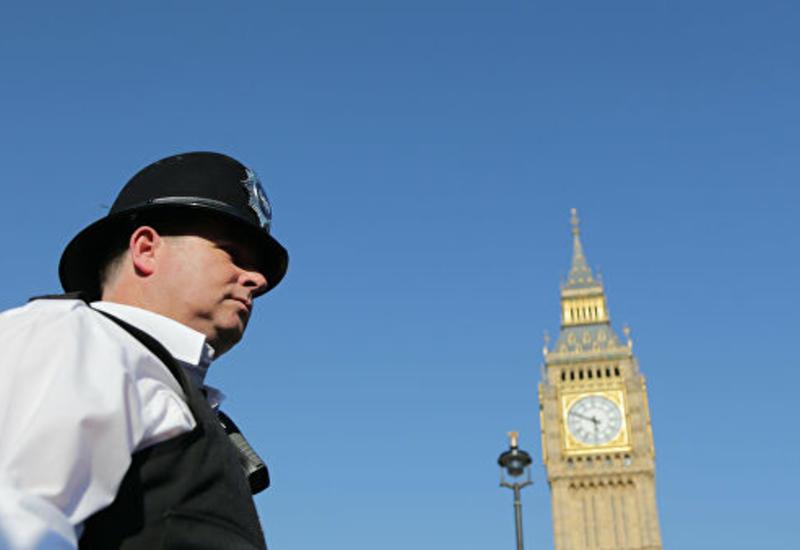 В Лондоне на карнавале задержали сотни человек