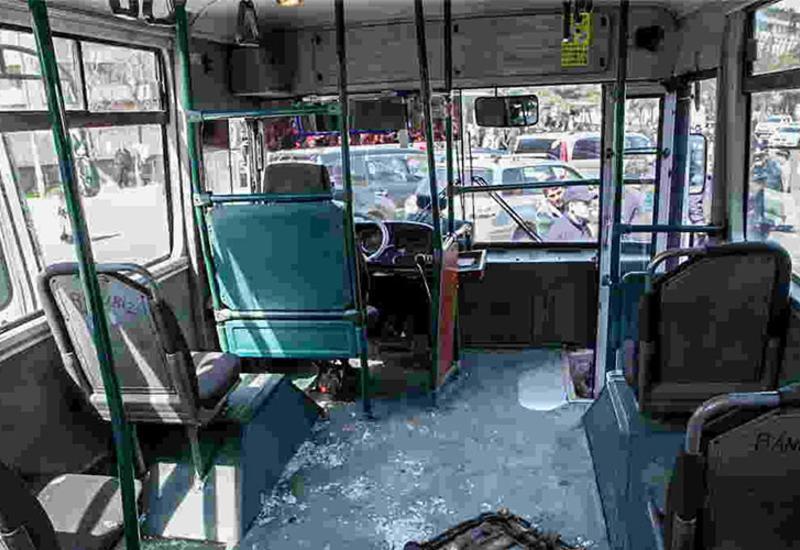 В Гяндже маршрутный автобус попал в тяжелое ДТП, есть пострадавшие