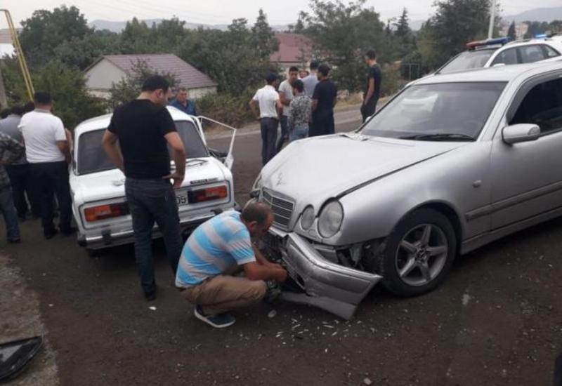 В Газахе столкнулись 4 автомобиля, поврежден газопровод