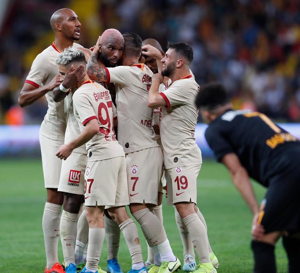«Галатасарай» победил «Кайсериспор», забив победный мяч на 8-й добавленной минуте