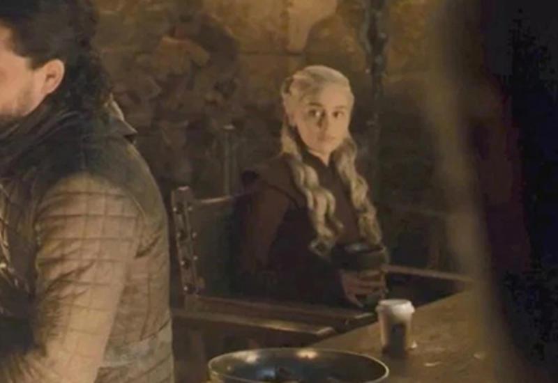 Создатели «Игры престолов» впервые объяснили чашку кофе в финале