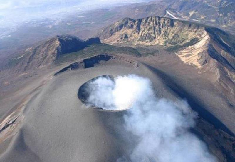 В Перу зафиксировали взрыв в кратере вулкана Убинас