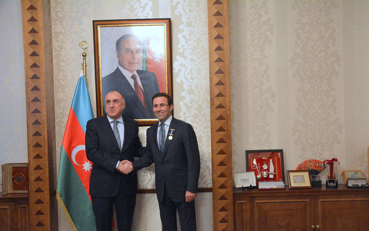 Эльмар Мамедъяров на переговорах с генсеком Тюркского совета
