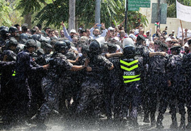 Учителя в Иордании протестуют из-за низких зарплат
