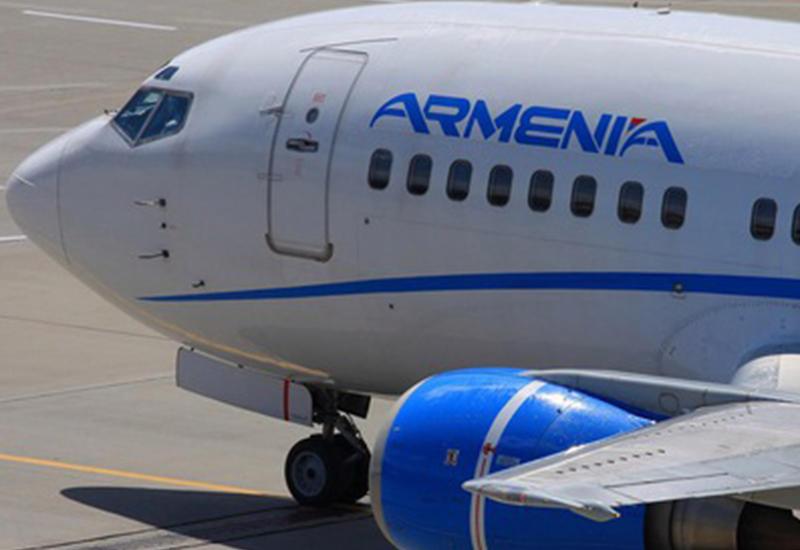 В Армению ежедневно летают по нескольку самолетов с оружием и боевиками