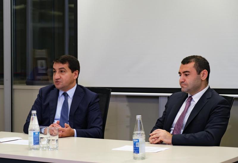 Хикмет Гаджиев: Азербайджан никому не позволяет вмешиваться в свои внутренние дела