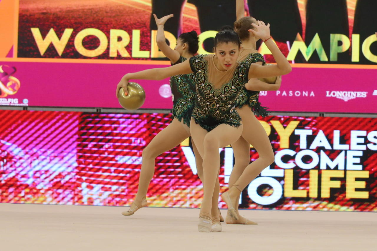 В преддверии Чемпионата мира по художественной гимнастике в Баку прошли контрольно-тренировочные сборы гимнасток