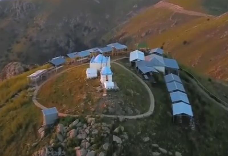 Невероятное место в Азербайджане - Расколотая скала в Товузе