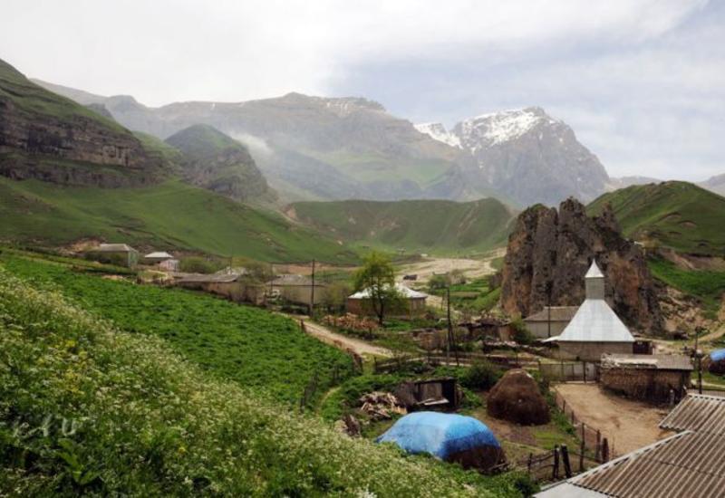 Великолепный Гусар и неповторимая деревня Лаза